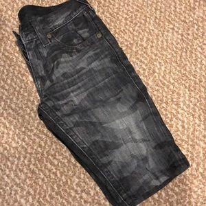 Bobby camo shorts